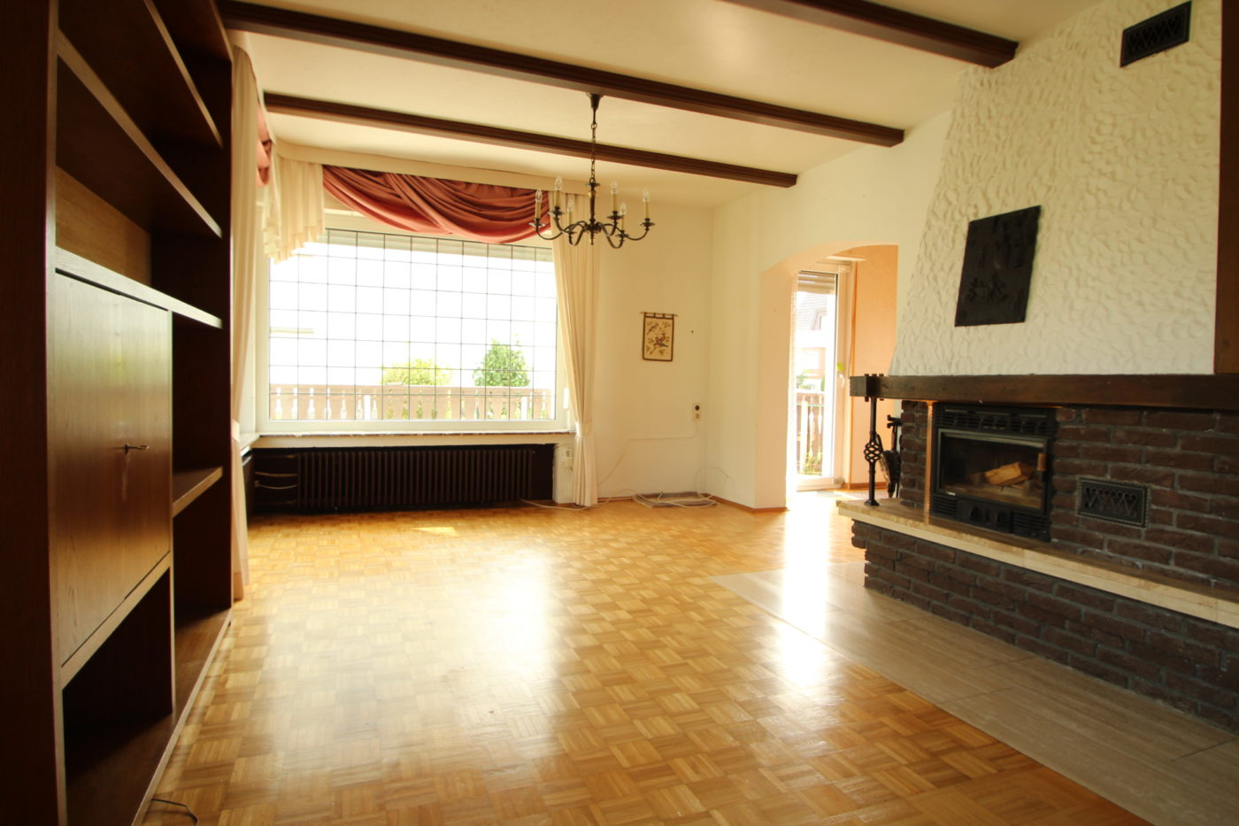 Vorher Foto Blickfang Homestaging leere und geerbte Immobilie in Anröchte