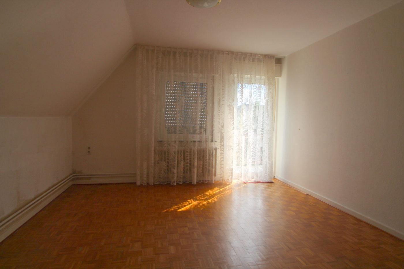 Vorher Foto Blickfang Home Staging. Sie möchten Ihren Wohnräumen ein neues Aussehen verleihen? Ihre Immobilie soll eine möglichst breite Gruppe von potenziellen Käufern ansprechen? Dann rufen Sie uns an Blickfang Homestaging in Soest, DIE Home Staging Experten im Kreis Soest