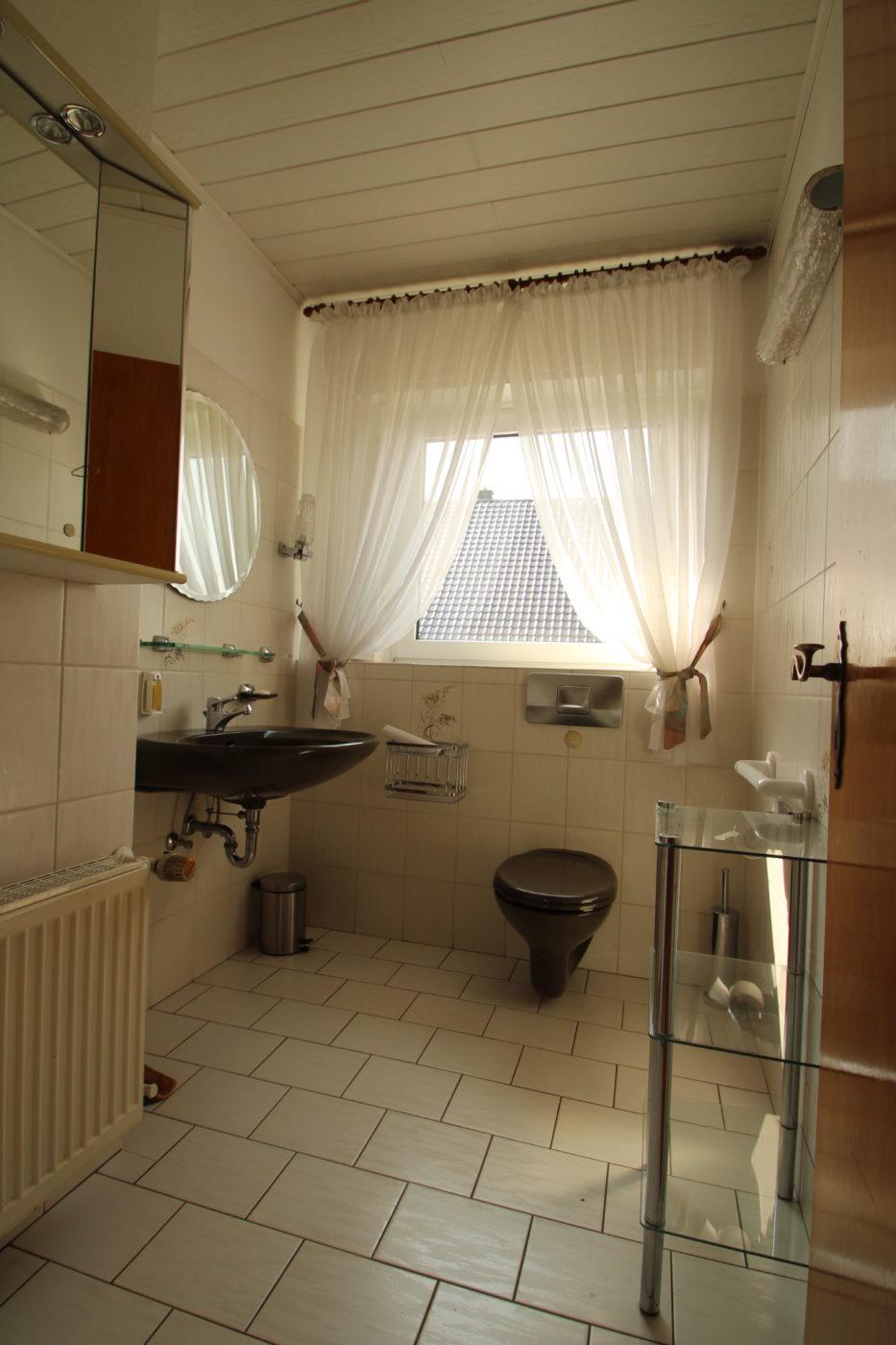 Vorher Foto Blickfang Homestaging. Leere und geerbte Immobilie in Anröchte