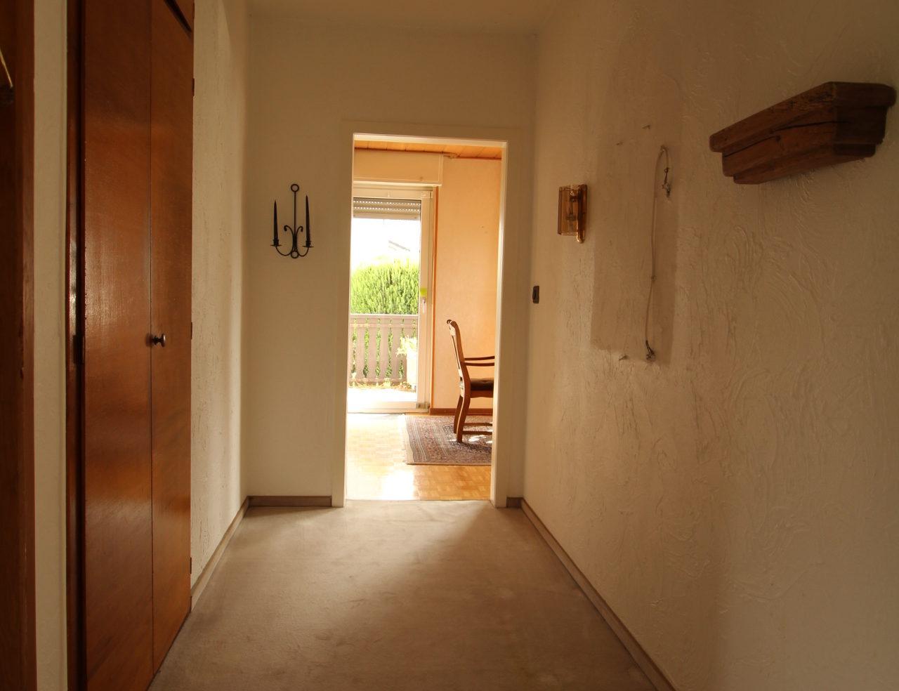 Vorher Foto Blickfang Home Staging. Leere und geerbte Immobilie, die keiner kaufen wollte