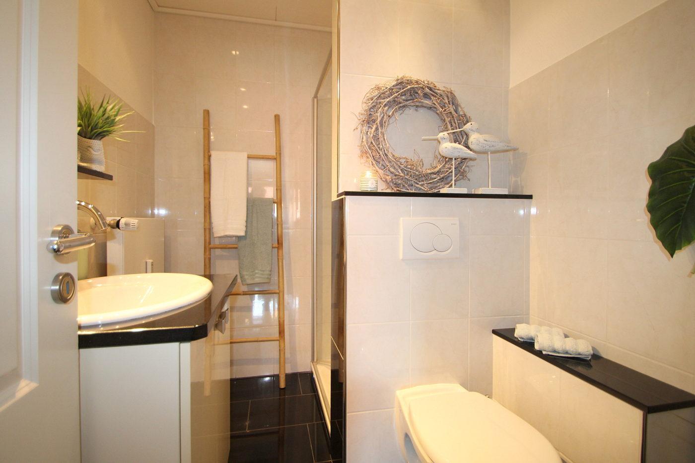 Duschbad nach dem Homestaging durch Nicole Biernath von Blickfang Homestaging in Soest