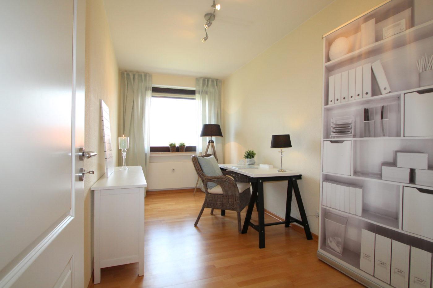 Arbeitszimmer nach dem Homestaging durch Nicole Biernath von Blickfang Homestaging in Soest