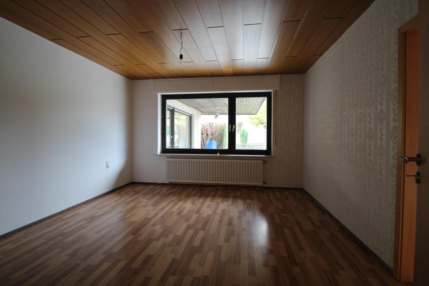 Vorher Foto vom Schlafzimmer. Schlafzimmer vor dem Homestaging durch Blickfang Homestaging in Soest