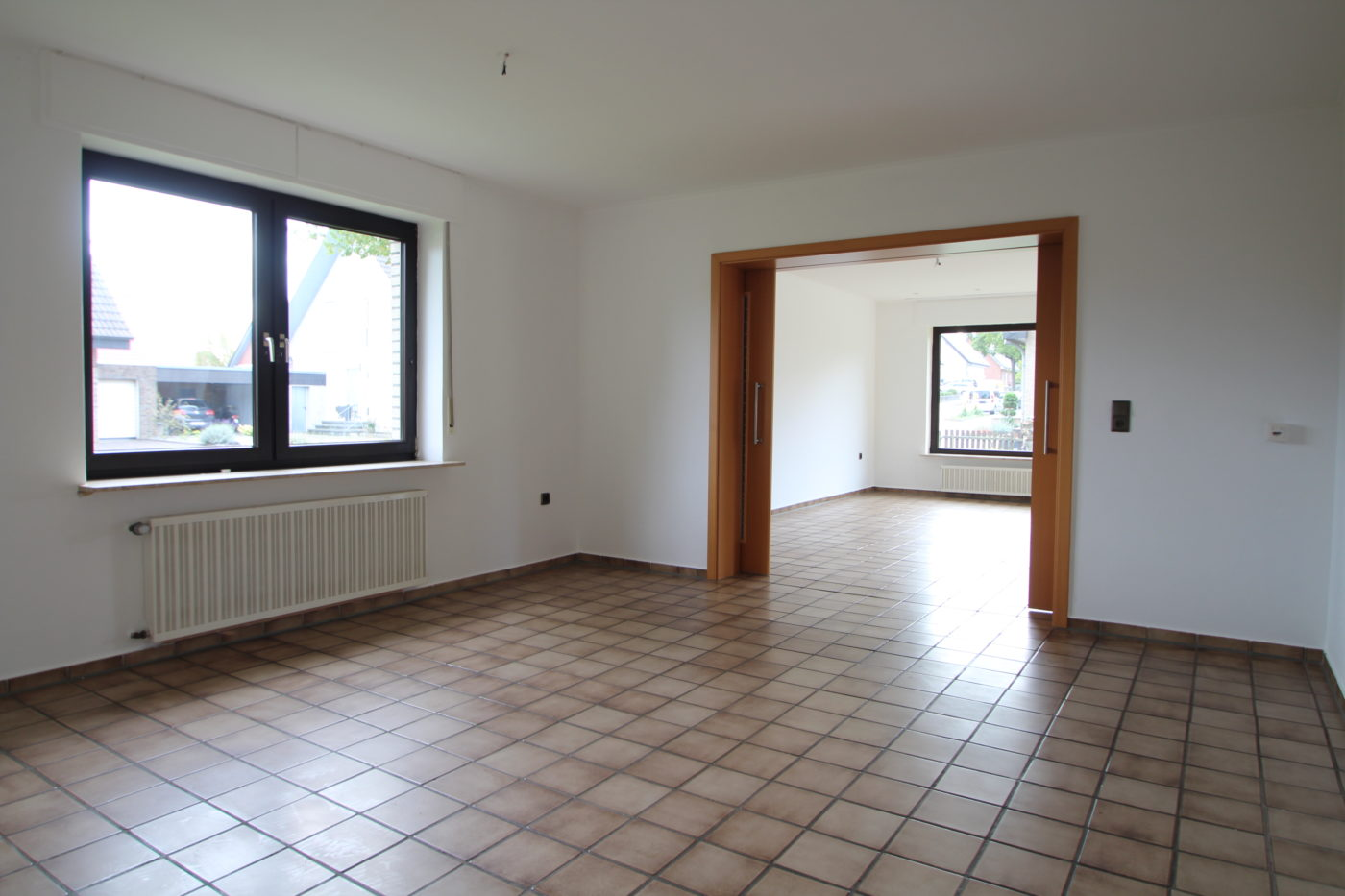 Vorher Foto vom Wohn- und Esszimmer. Wohn- und Esszimmer vor dem Homestaging durch Blickfang Homestaging in Soest