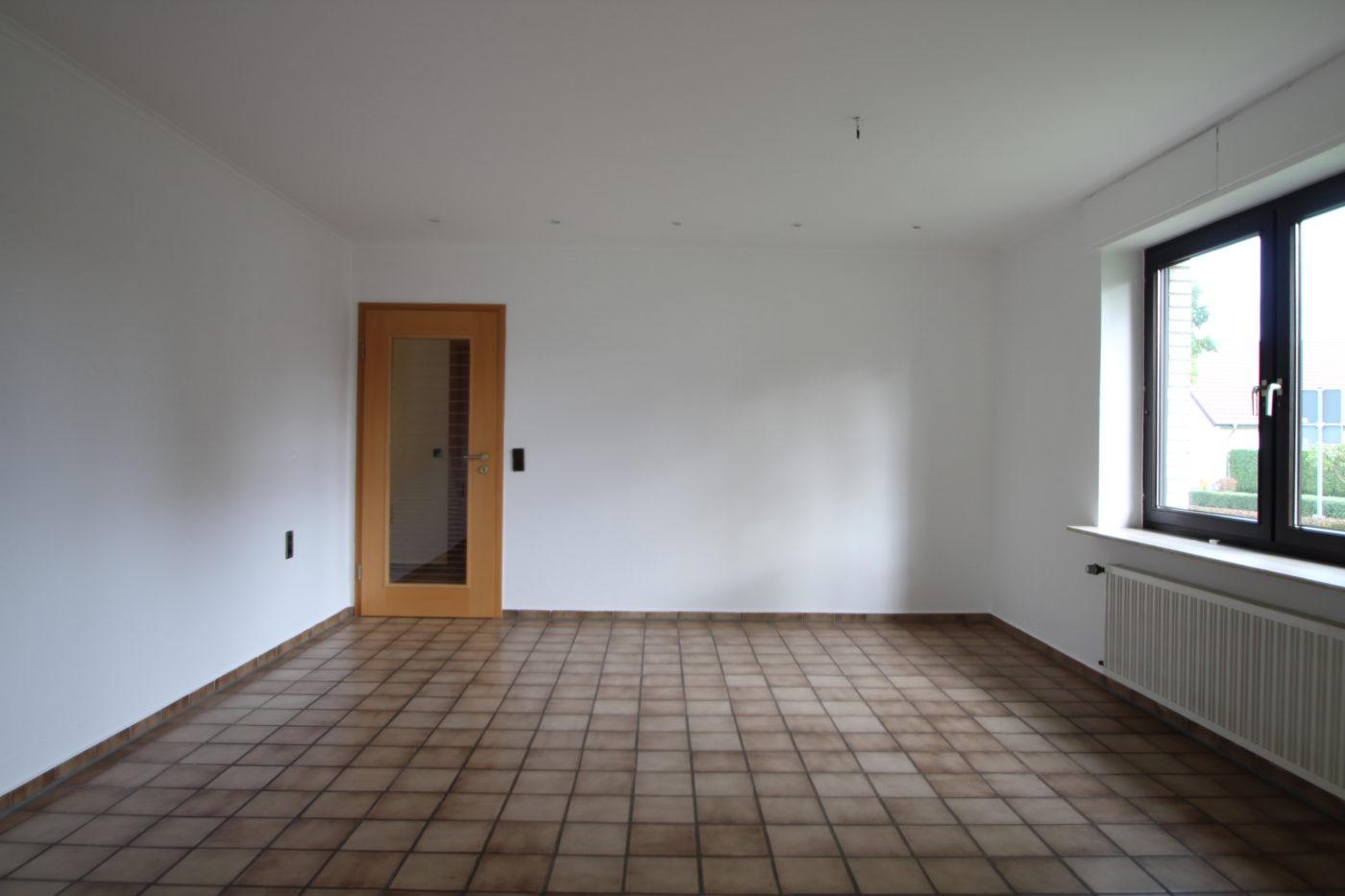 Vorher Foto vom Esszimmer. Esszimmer vor dem Homestaging durch Blickfang Homestaging in Soest