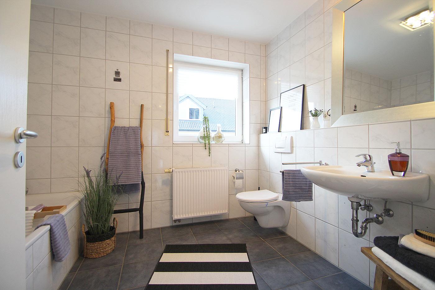 Badezimmer nach dem Homestaging durch Nicole Biernath von Blickfang Homestaging in Soest