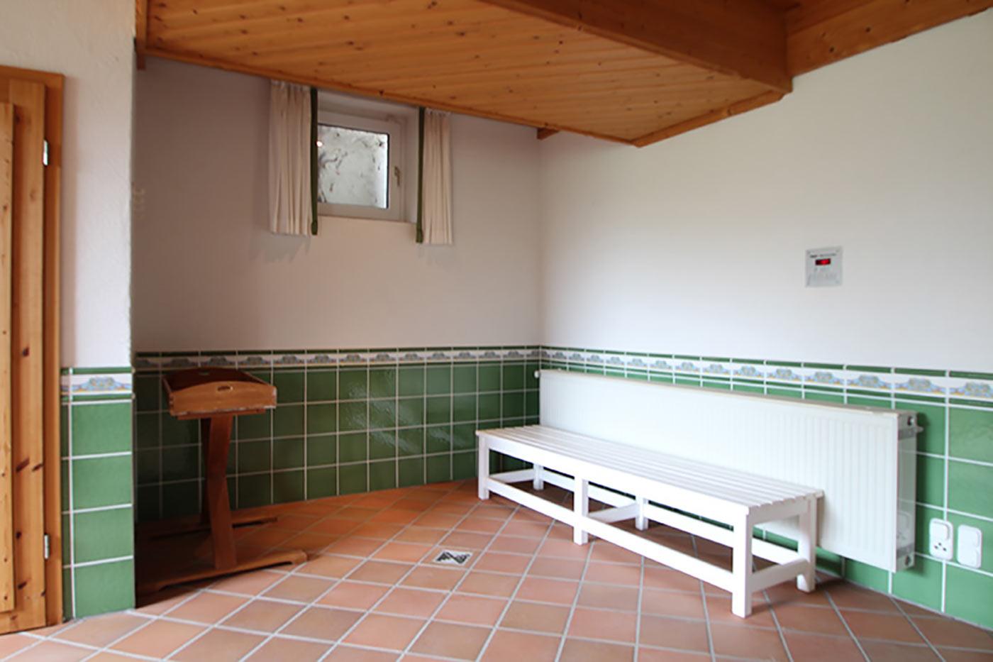 Vorher-Foto vom Schwimmbad | Blickfang Homestaging in Soest