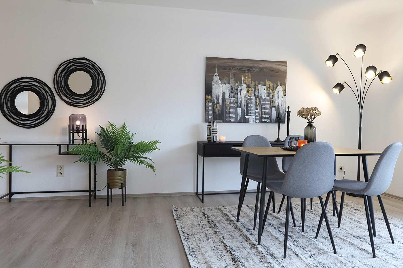 Homstaging im Esszimmerbereich durch Blickfang Homestaging